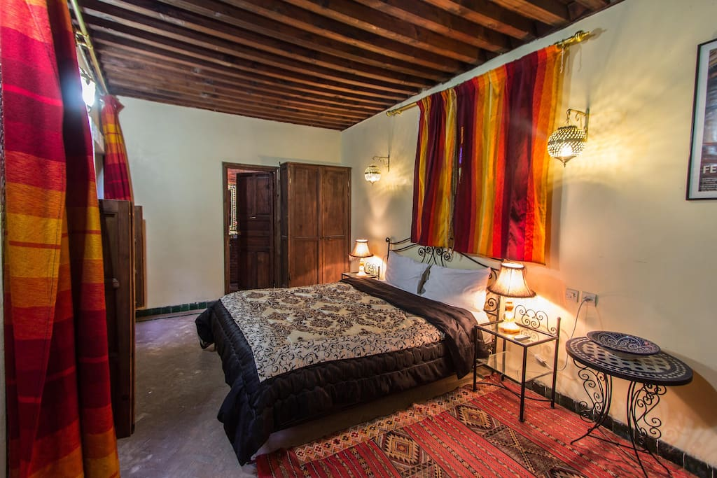 Dar el yasmine room deluxe bed breakfasts til leje i for Airbnb fez