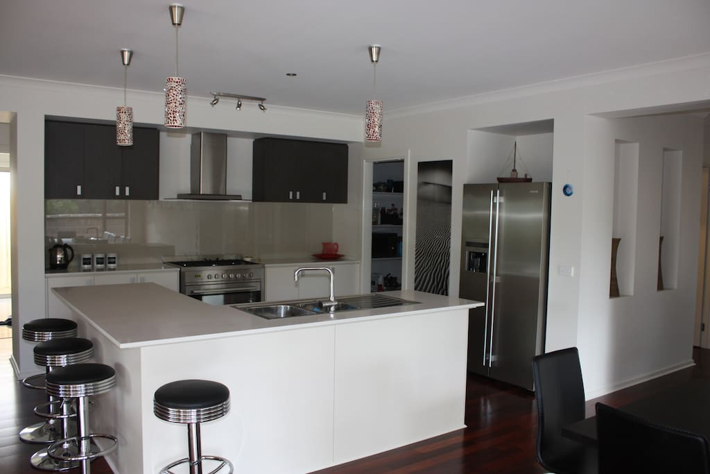 Chef's Kitchen and Butlers Pantry