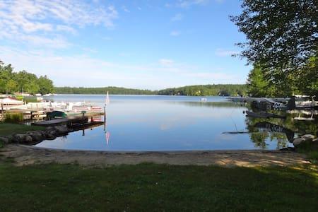 Rustic Lake House (35 min from BOS) - Pelham - Casa