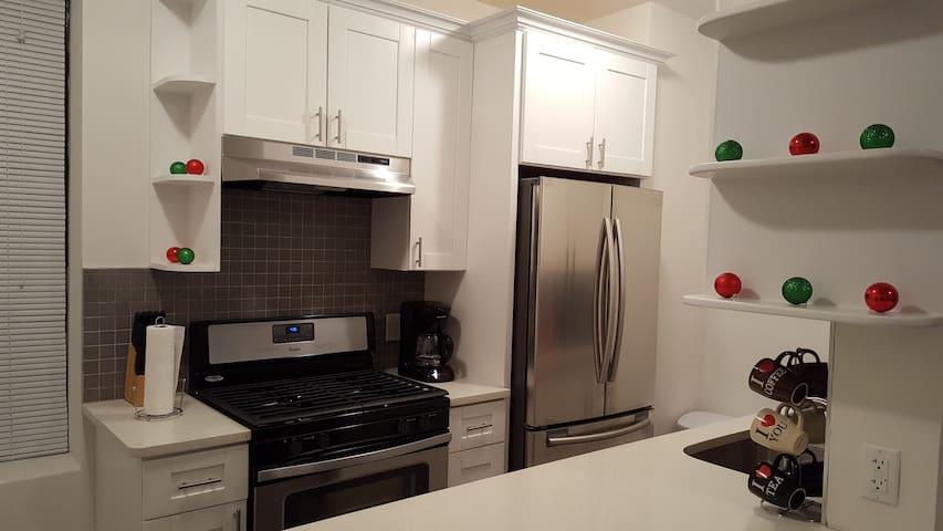 NEW - 1 Bed. Apt.10 min. to Manhattan!