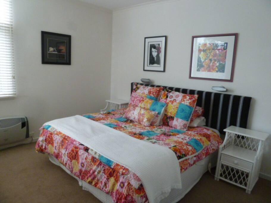 Front Bedroom - Queensize bed