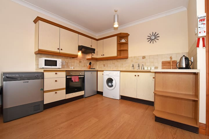 Spacious First Floor 2 bed flat, Seahouses