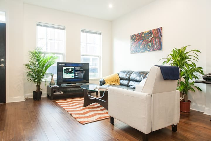 2 Bedroom Downtown + FREE Parking - Philadelphie - Maison