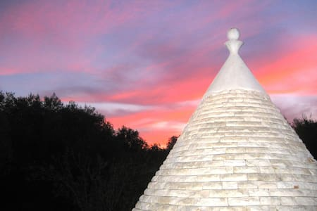 Il Paradiso, a magical trullo set amongst olives - Pascarosa - House