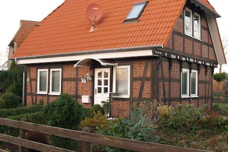 Ferien-Fachwerkhaus, 4 Betten, 2 Schlafz.+ 2 Bäder