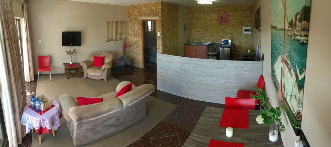 Impala One Bedroom Self Catering Apartment