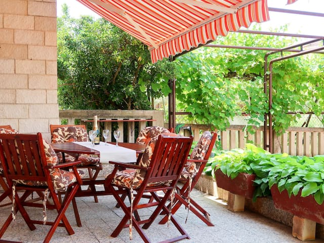 Holiday Apartment Vesna for 6 persons in Punat