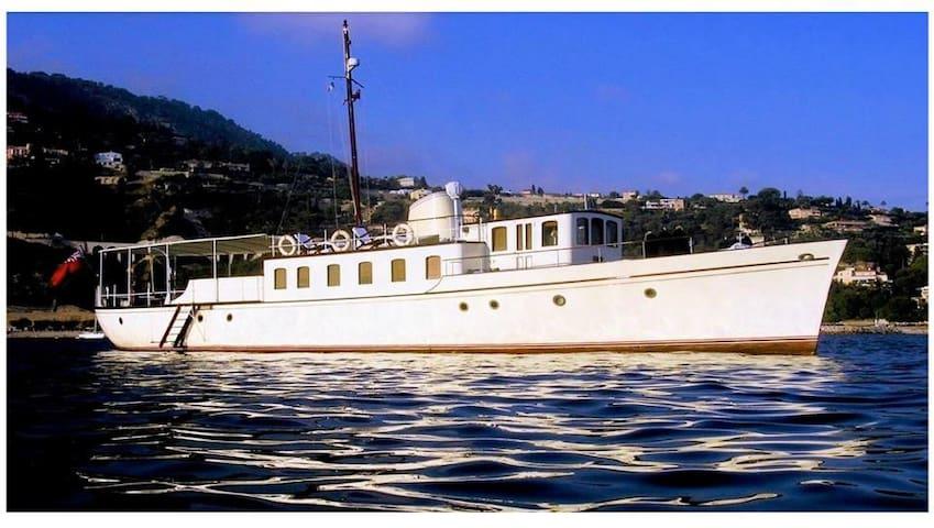 Sleep Aboard on Classic Yacht - Villefranche-sur-Mer - Barco