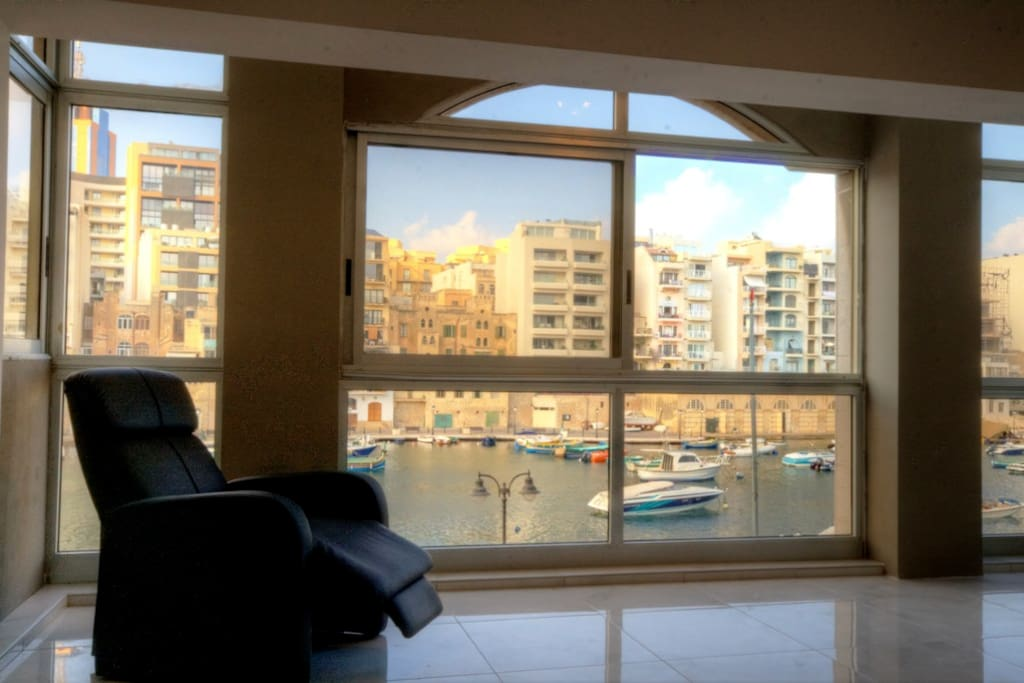 Spinola Bay View Superb Location Apartments For Rent In St Julian S Spinola Bay Malta