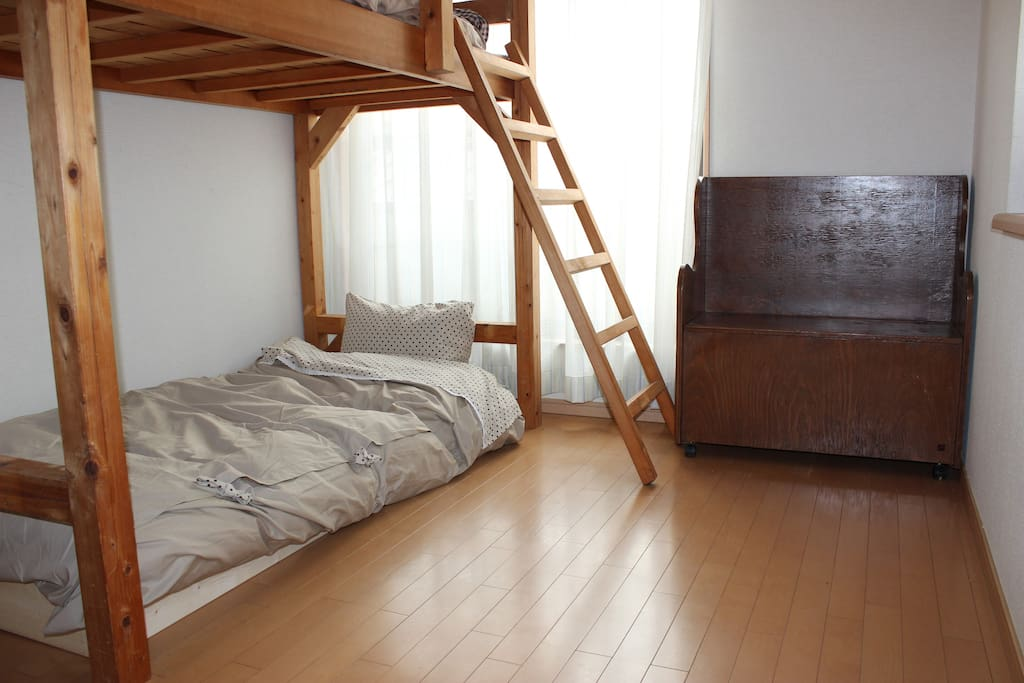 Room1/Spacious,clean,and comfortable bed room.It is just for you.