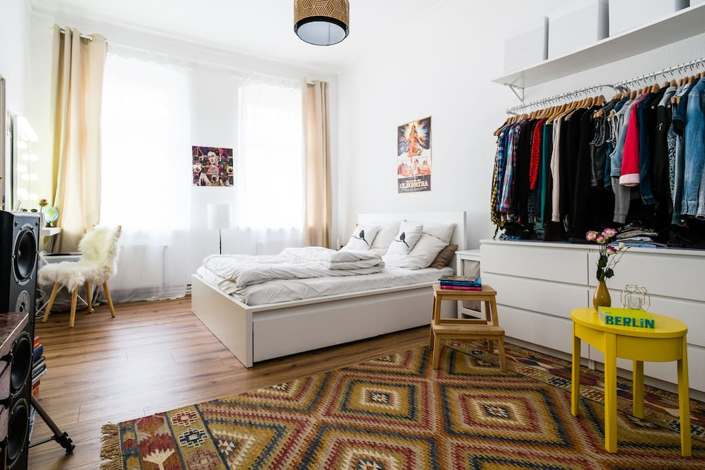 Sehr helles Apartment/ very bright apartment