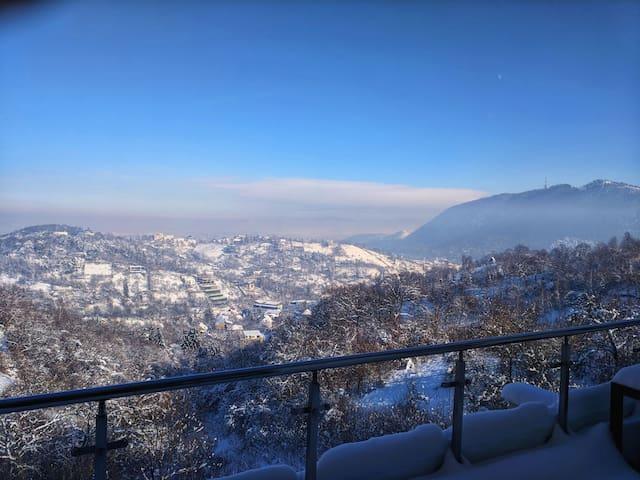 Stunning Views and Magic Mountains