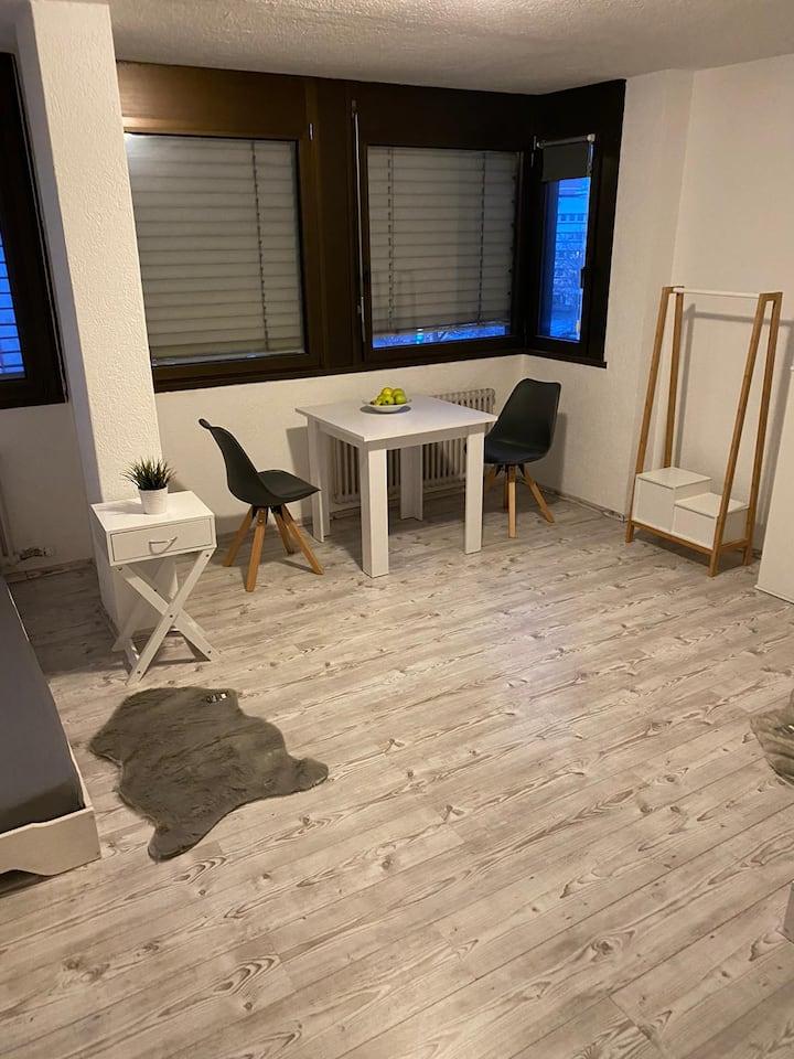 Möbiliertes Zimmer direkt im Zentrum