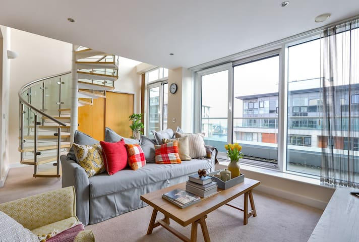 Luxury Duplex Penthouse | Excel | @WildRoses - Londen