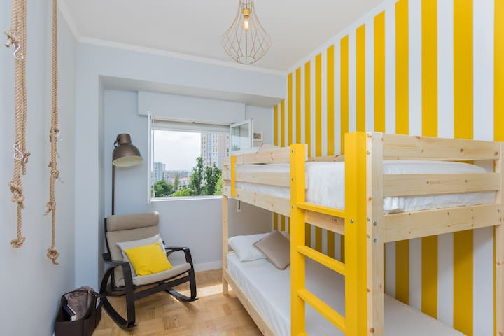 Lisbon Airport Hostel - Aveiro Bedroom