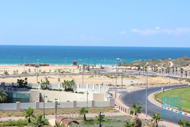 For rent elegant 3-room apartment in Ashdod near Hotel Leonardo