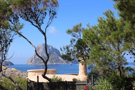 Ibiza casa en la playa con piscina