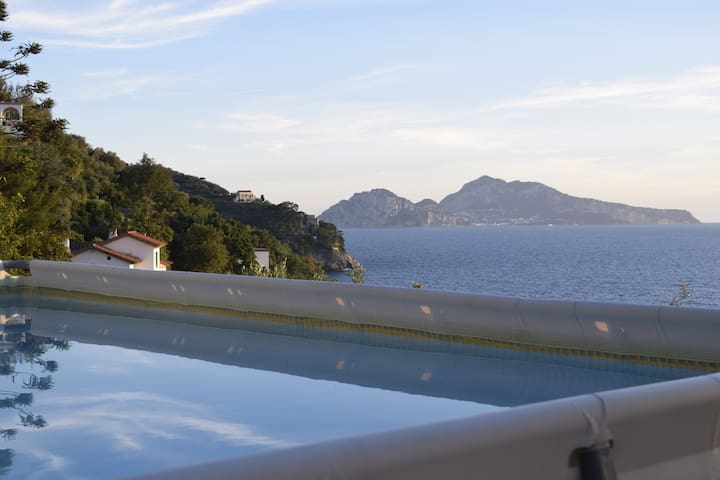Villa Montana on the sea with pool - San Montano - Dom