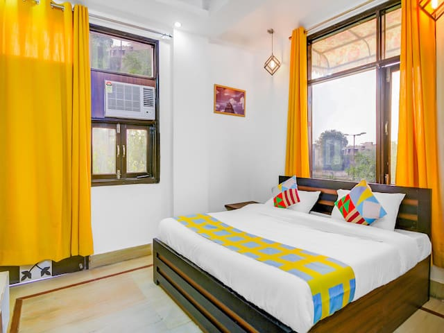 OYO - Well-Located 1BR Homestay in Rohini Special Deal!