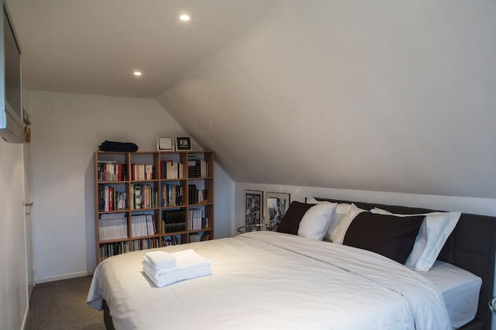 Comfortable and élégant room - Dilbeek - Bed & Breakfast