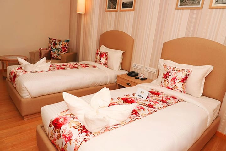 Hotel Mayvilas With Deluxe Room