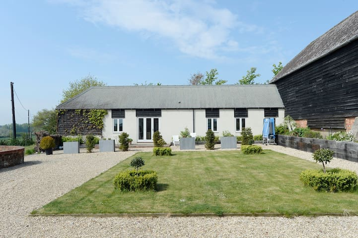 Comfortable Converted Barn, Sole use.