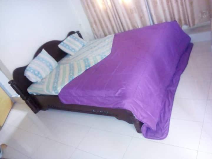 Joli studio MUGISHA à Buja bon pr 1 à 2 personnes