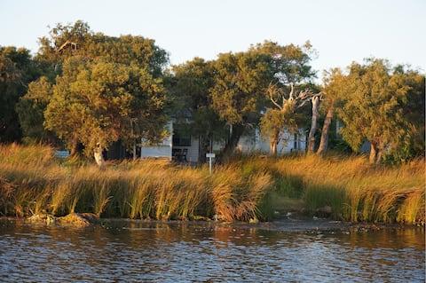 Augusta Seine Bay Waterfront Cottage