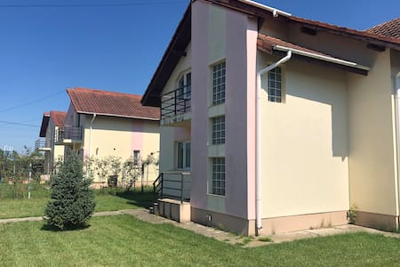 4 Bedroom Home in Târgoviște