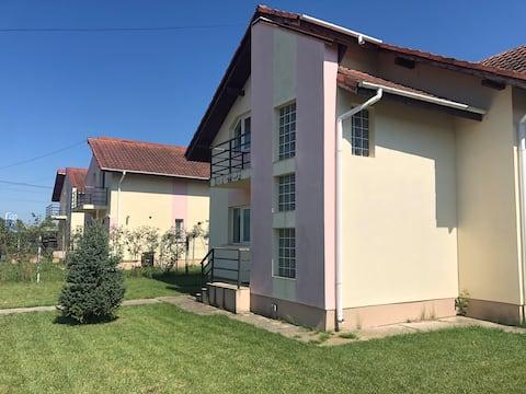 4 Bedroom Home in Târgoviște