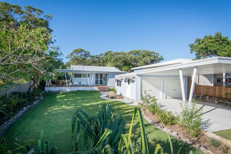 Back Beach Bungalow -  Evans Head - Talo