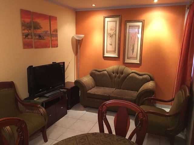FULLY FURNISHED APARTMENT - Samborondon/ Guayaquil - Samborondón - Apartamento