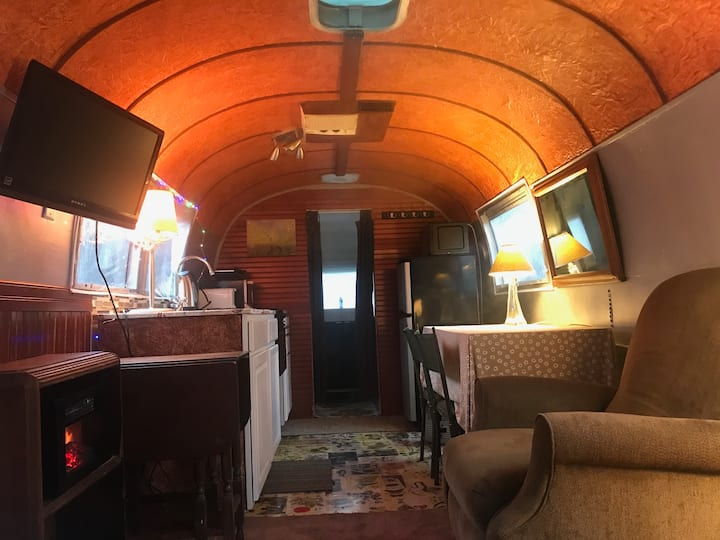 Airstream w/Japanese Tub & Screened-in Porch