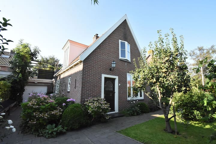 Boutique Holiday Home in Grootschermer with Garden