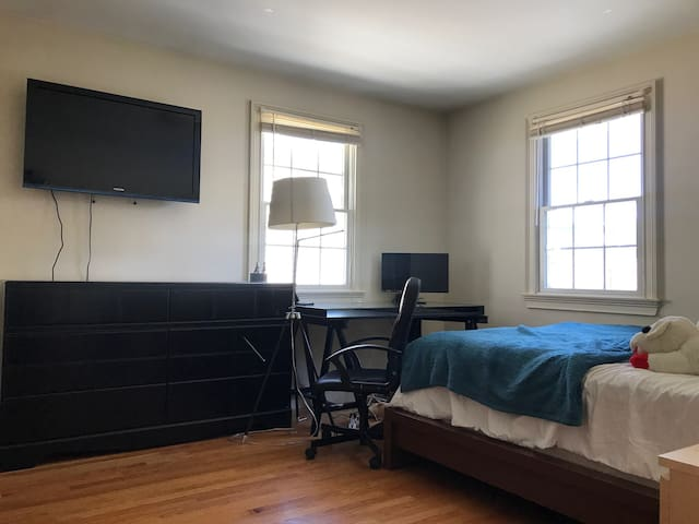 Private room with spacious closet & TV