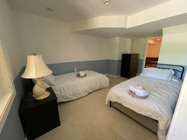 Bedroom #3 w 2 xl twins