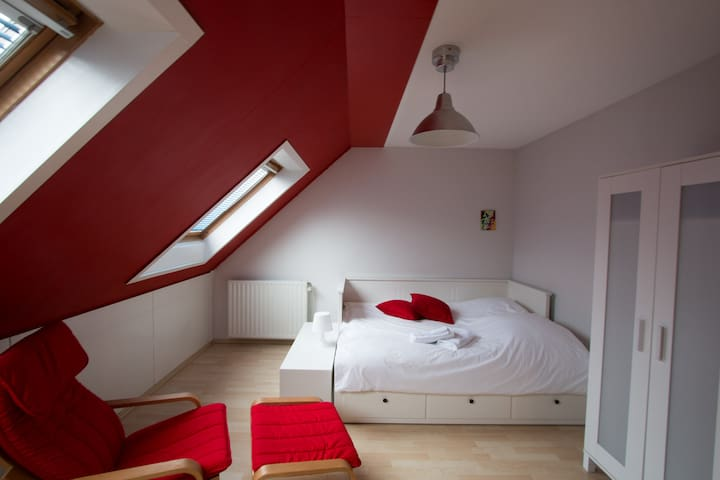 Spacious, bright room in Hilversum - Hilversum - Haus