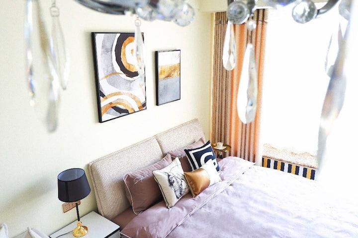 COLOUR HOME 法式经典 一室 爱琴海八方商圈 煤医道夜市 高端商务 设计民宿 奢华的家