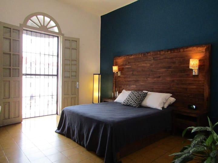 Superior room ~Art gallery hotel~ Best location
