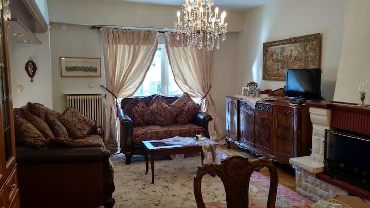 Πολυτελές διαμέρισμα στο κέντρο της Νάουσας με θέα