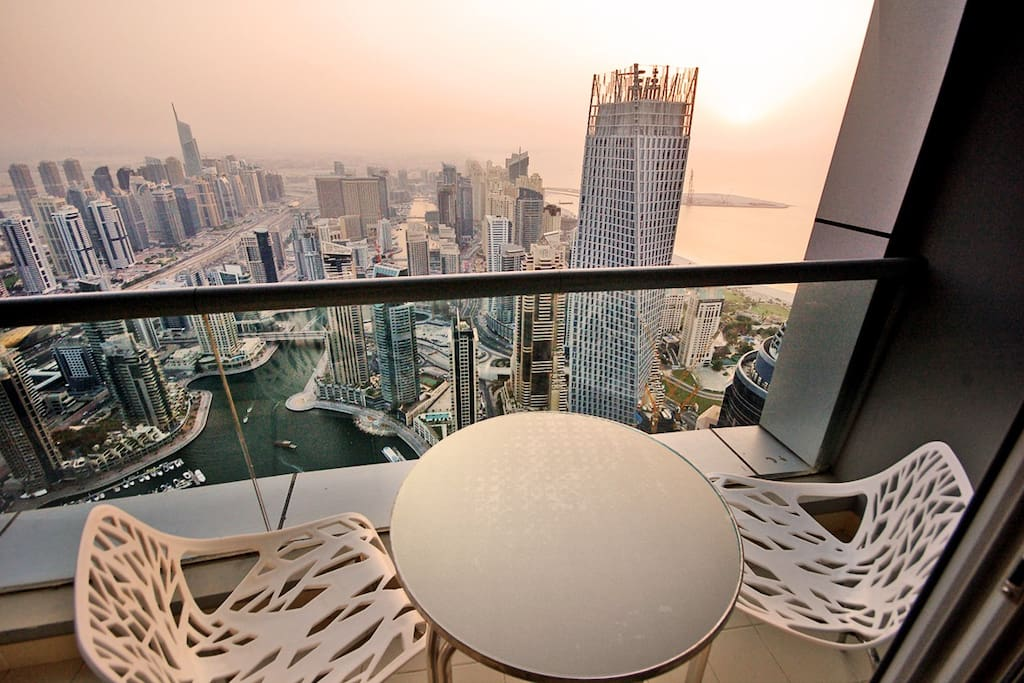Enjoy your morning coffee or afternoon tea with this exhilarating view!!!
