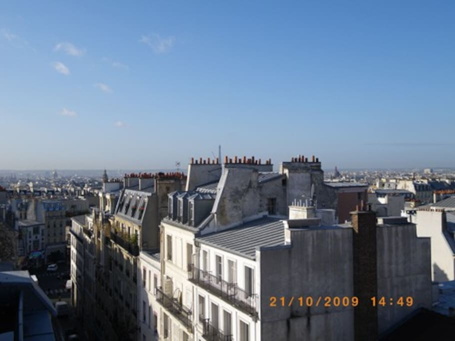 Charmant nid d 39 aigle au dessus de paris appartements - Nid rouge lincroyable appartement paris ...