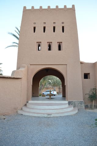 Villa Boujouf in the Heart of Oasis