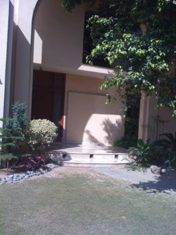 villa in defence lahore