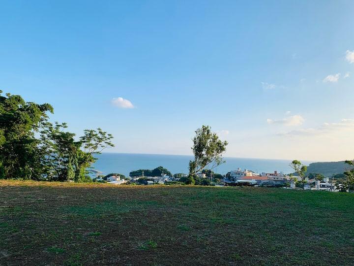 海を眺める高台の一軒家!南部観光に便利! 朝日が美しく自然豊かな場所にあり、長期滞在にオススメです!