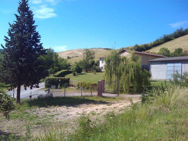 Casa rustica nella Val di Zena - Pianoro - Casa
