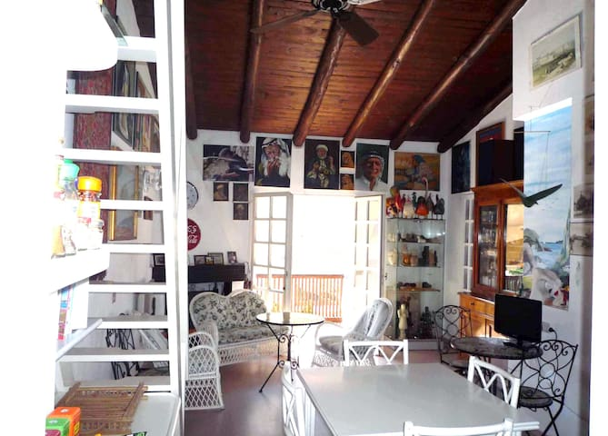 CASA  ORIENTALE NEL BLU OLTREMARE 1 - Santa Teresa Gallura - บ้าน