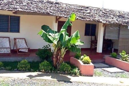 Belle villa meublée et équipée chez LARISSA