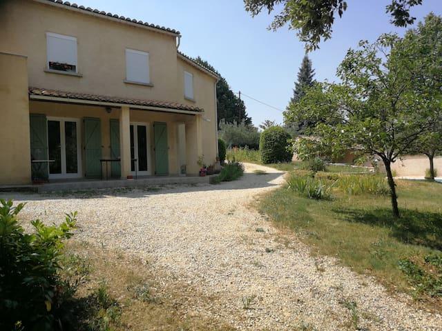 Appartement de charme au cœur de la Provence