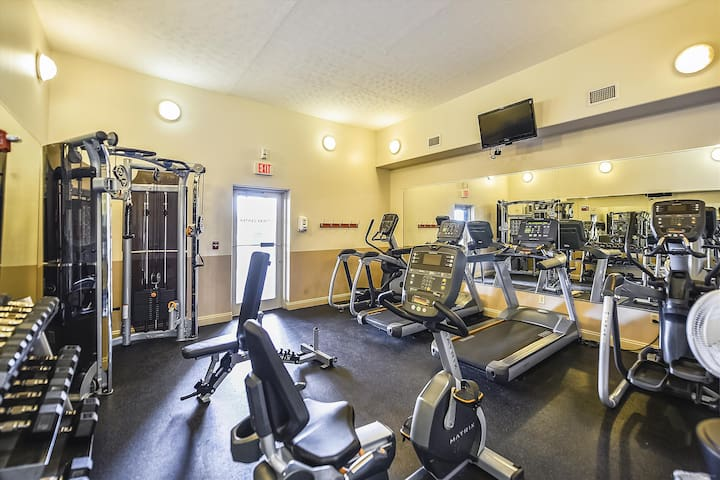 Amenity-Treasure Island Gym-KLH1588.JPG